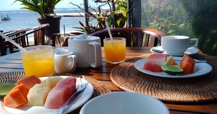 バリ島サヌールのカフェ