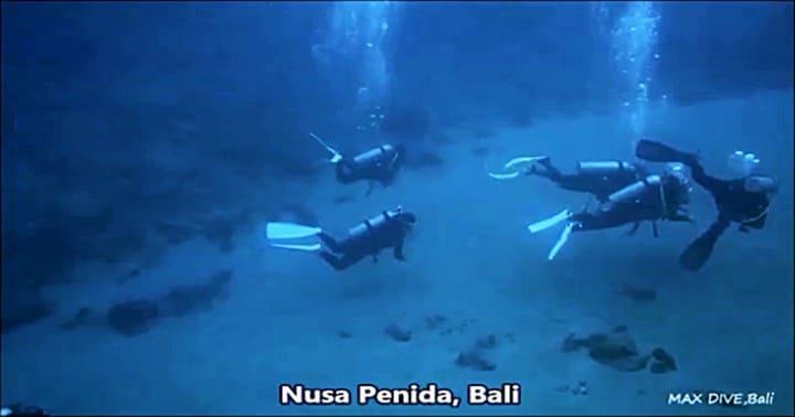 バリ島ヌサペニダ,クリスタルベイでダイビング